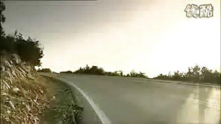 奔驰E级coupe官方视频(路试篇)