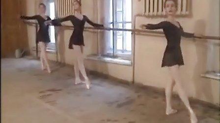 瓦岗诺娃学校 杜丁斯卡娅的芭蕾课堂 (把杆部分)