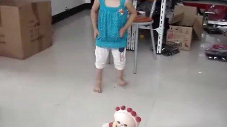 我家小雅妮在跳舞