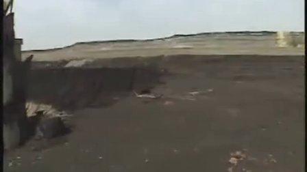 重达4.5万吨世界最大挖掘机