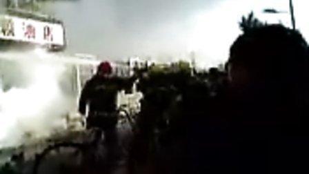12月17日上午青后小区一区一棉被店着火