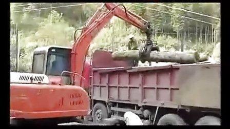 挖掘机农场工作视频