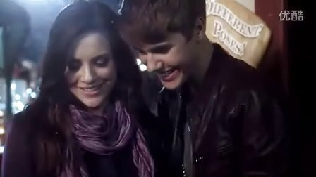 Justin Bieber 《Under The Mistletoe》主打歌曲《Mistletoe》