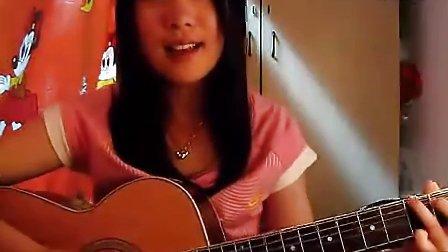 美女弹吉他——(南拳妈妈LARA)下雨天