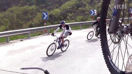 极速空间 北京平谷 下山 23个弯道 视频