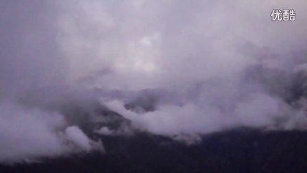 清晨浓雾中的梅里雪山,天涯网友留声。