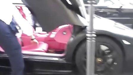 非常闷骚的粉红色内饰的Lamborghini LP640