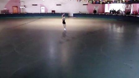 双排溜冰 一笑而过