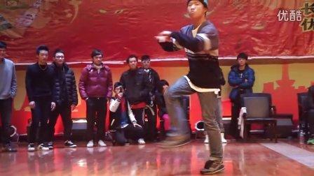 重庆街舞培训(TK)TOPKING舞蹈传媒 2012长寿街舞比赛 TopKing CAIN对龙啸