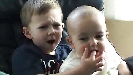 【唐铭阳分享集】爆笑!外国小孩!Charlie,咬我的手指。【唐铭阳分享各类视频】