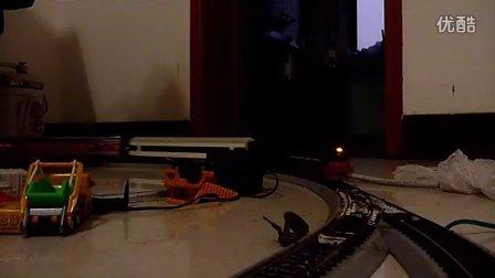 建设型蒸汽机车模型牵引混编客车通过