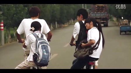 卖自行车的小女孩