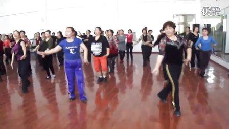 敖老师舞蹈萨吾尔登
