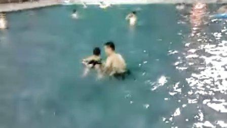 7.12俊杰游泳2