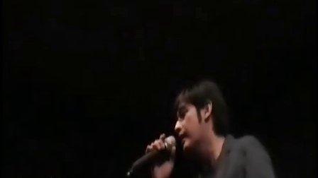 Sornram sings SaiLoHit MN concert