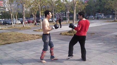 雷跟逍遥练习腿法2014.1.11