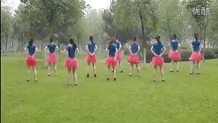 云裳馨悦广场舞--《一万个舍不得》