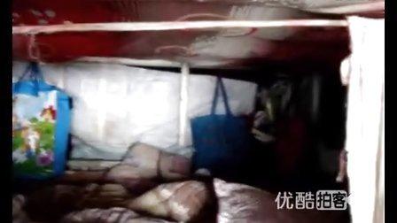 【拍客】春运最牛拼车三家十口乘改装房车回家