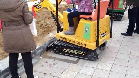 儿童游乐挖掘机 2014最火游乐项目--济宁微装