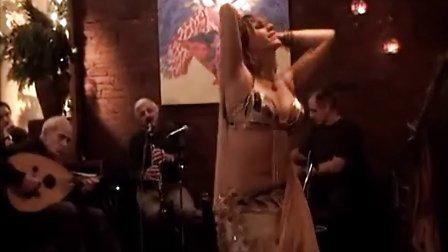 Belly dance with Veil - Oriental Dancer Mariyah 纱巾肚皮舞