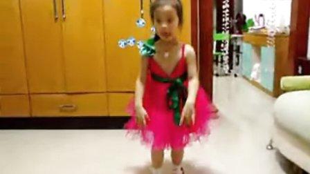 婷婷的舞蹈 六一前的排练 喜欢顶一下!