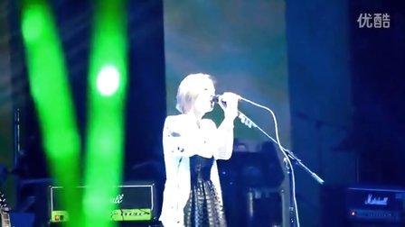 """2012.10.27 上海大舞台 """"树与花""""现场 张悬《并不》"""