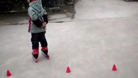 炫子宝贝在家自学轮滑(溜冰)01-初阶段