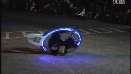 超酷的独轮摩托车-类似《黑衣人3》里面的概念车