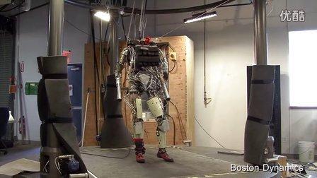 美国军用机器人Petman 这才是真正的仿人机器人