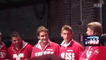 2012阿姆斯特丹费德勒携队友和支持者一起庆祝戴维斯杯保组成功