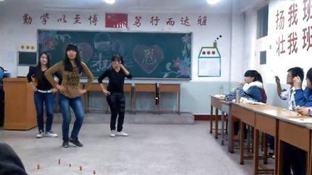 物流A1202班会舞蹈