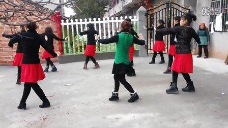 丰城剑南津头广场舞火火的姑娘