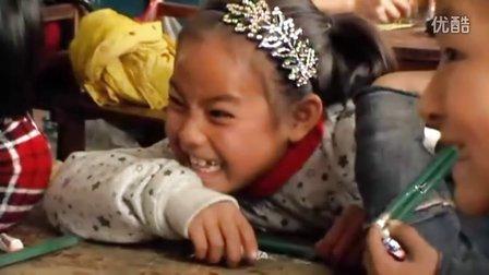[拍客]走近长岭希望小学探望贫困学生!