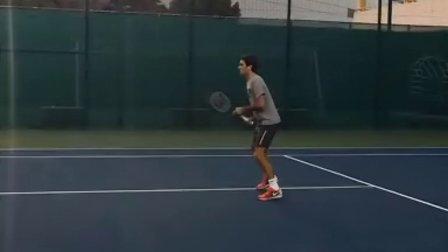 2014迪拜 费德勒训练短视频