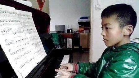 20140309_111816小帅哥杨瀚宇的钢琴梦