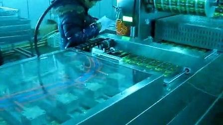 康贝特食品包装机械的包装机:山西喷码玉米现场使用