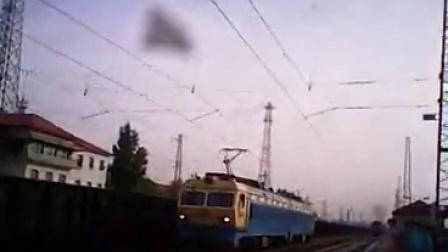 SS4G在平旺火车站折返    小凡4413