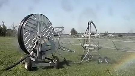 Irriland Irrigation boom returning to irrigator 桁架