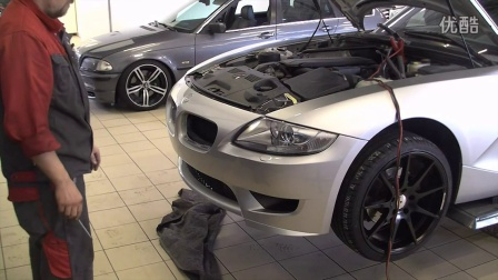 BMW Z4 E85 gets styled at the Schmiedmann workshop
