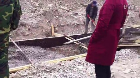 梅斯布拉克河床免爆开挖作业1