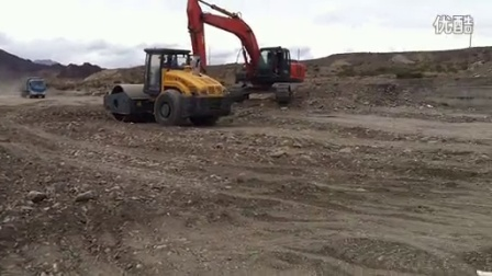 梅斯布拉克导流渠压路机渠堤作业