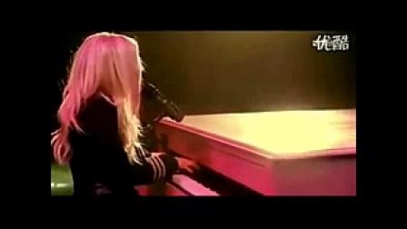 外国美女钢琴演唱最美歌曲|临沂冰点脱毛