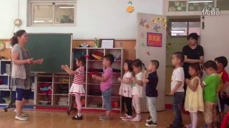 幼儿园 开放日 开火车