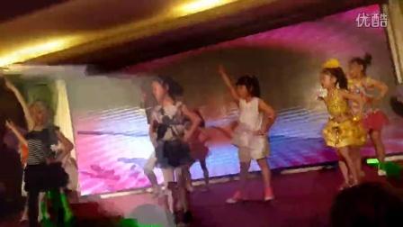 凤城市魁舞社男童女童街舞表演