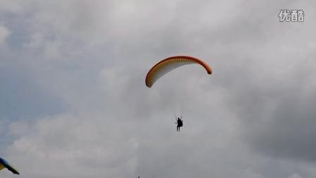 于清江滑翔伞飞行