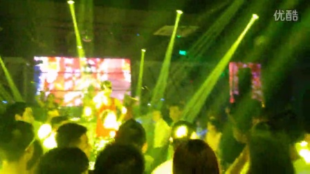 ICE KING夜店现场演出视频(电音说唱)