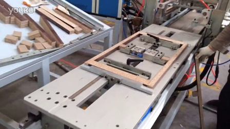 木工机械自动涂胶机,木工家具热熔胶机,家具组装涂胶机