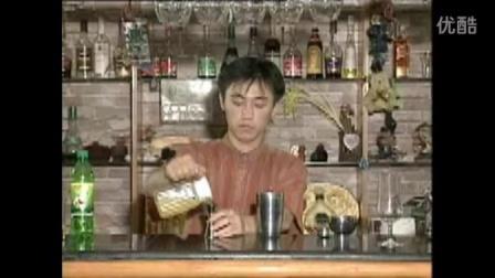 十六、水果汁调制-果汁庞拉(主料凤梨汁柳丁汁石榴汁)