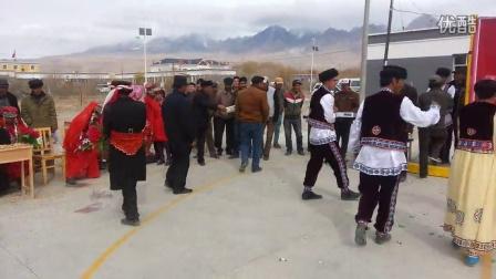 塔吉克族的集体婚礼 塔合曼乡政府安排的活动,,,