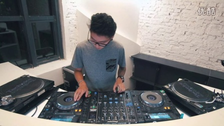 S.MUSE DJ CHOKE表演视频